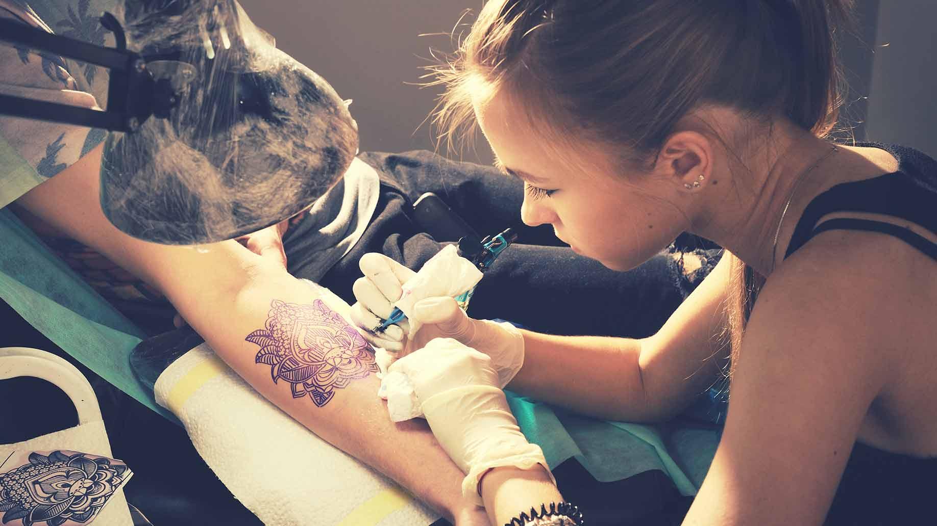 costes de tatuajes