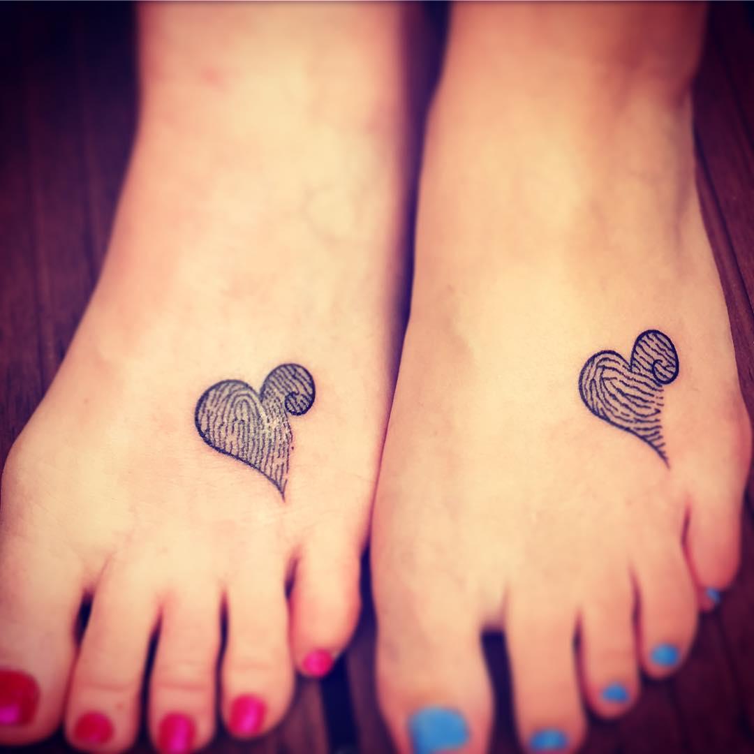 ideas de tatuajes pie madre e hija