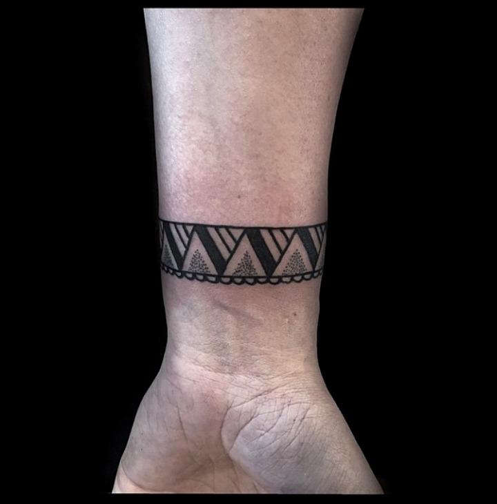 Tattoos de brazaletes egipcios