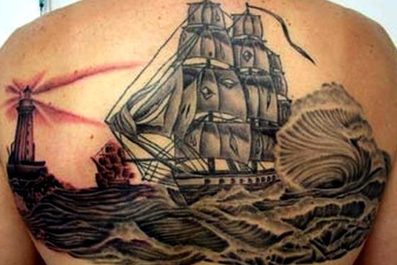 Tattoos de carabelas con faro