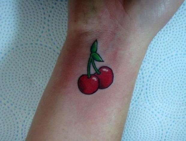 Tattoos de cerezas pequeños