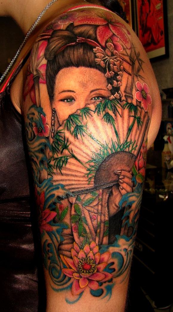 Tattoos de geishas y flores