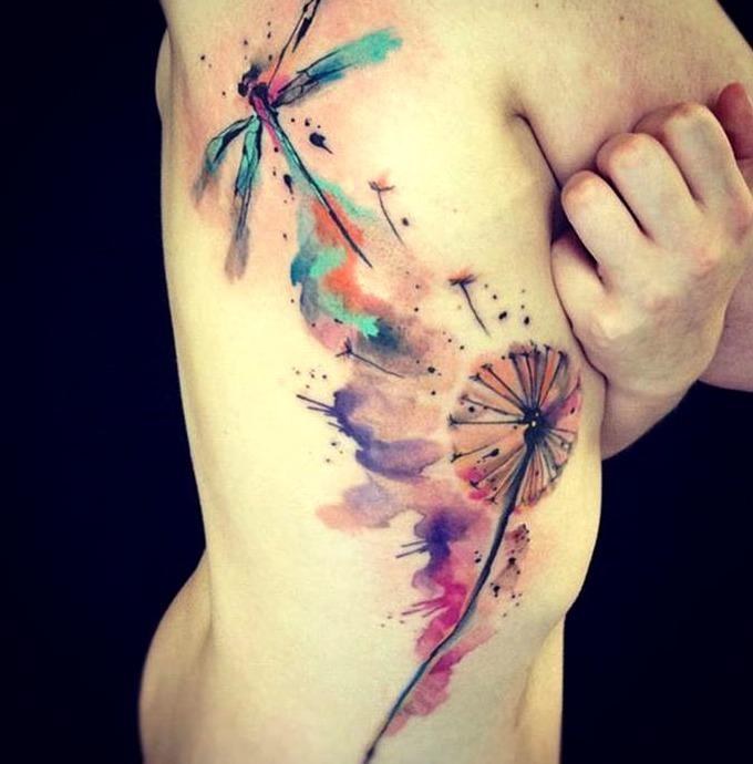 Tattoos de libélulas en acuarela