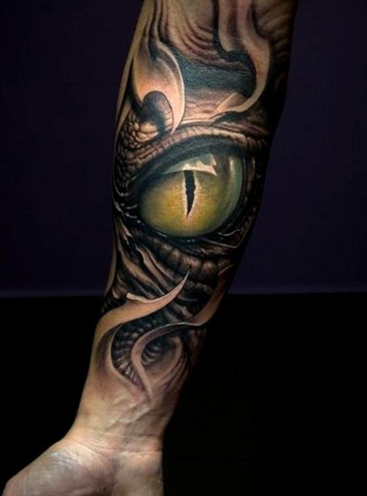 Tattoos de ojos de serpiente