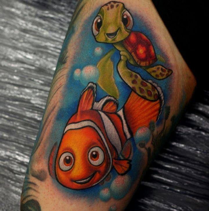 "Tattoos de peces de la película ""Buscando a Nemo"""