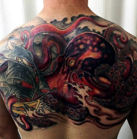 Tattoos de pulpos en hombres