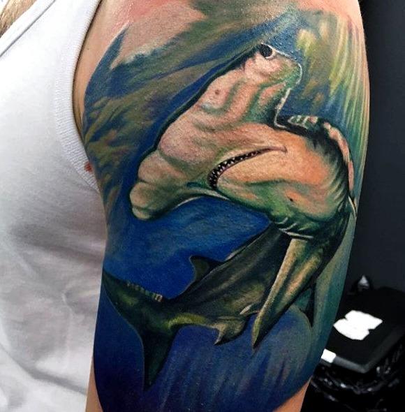 Tattoos de tiburón martillo