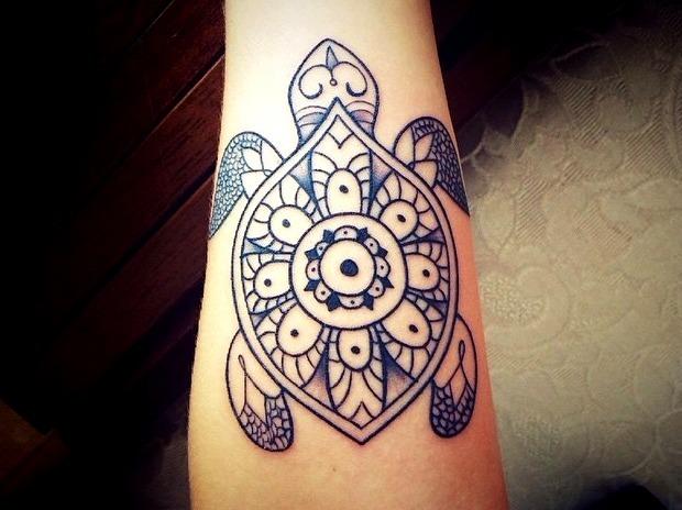 Tattoos de tortuga mandala