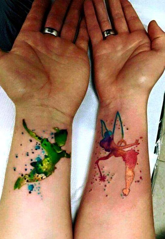 Tatuaje de Campanilla con Peter Pan