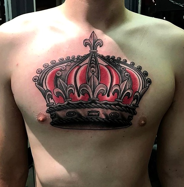 Tatuaje de coronas para hombres