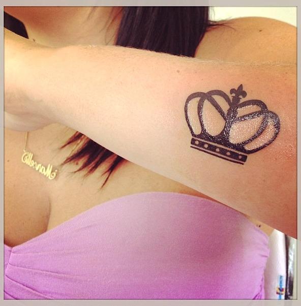 Tatuaje de coronas para mujeres