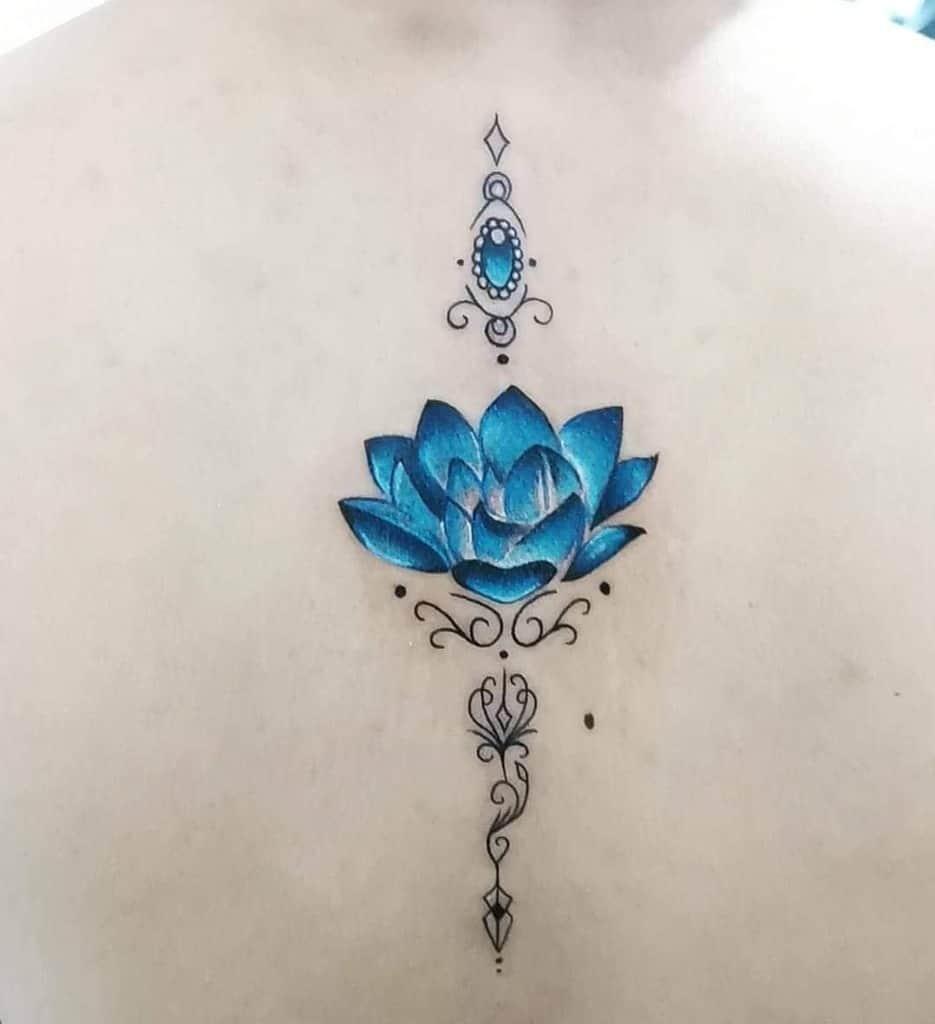 tatuaje flor de loto abierta