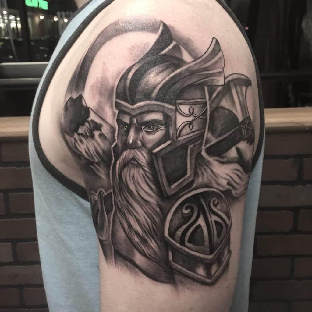 tatuaje guerrero nórdico