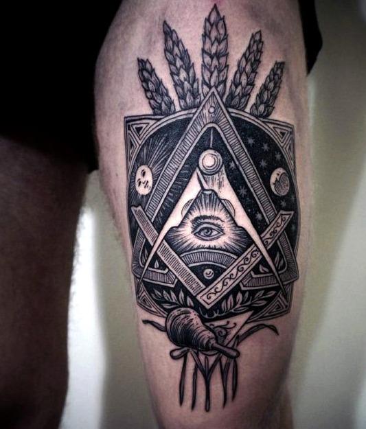 Tatuajes a la moda en la pierna