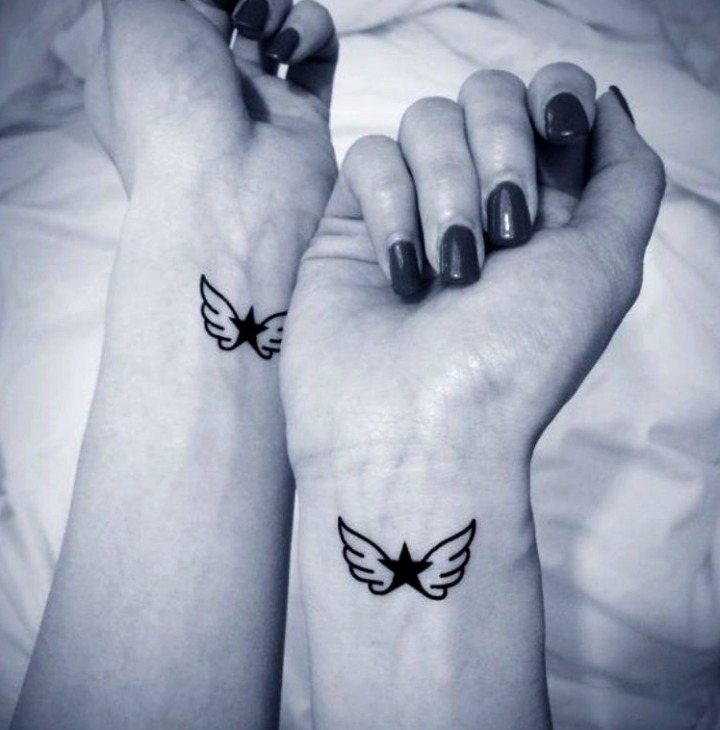 Tatuajes de alas pequeñas