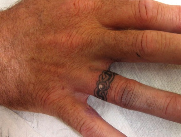 Tatuajes de anillos de cadenas