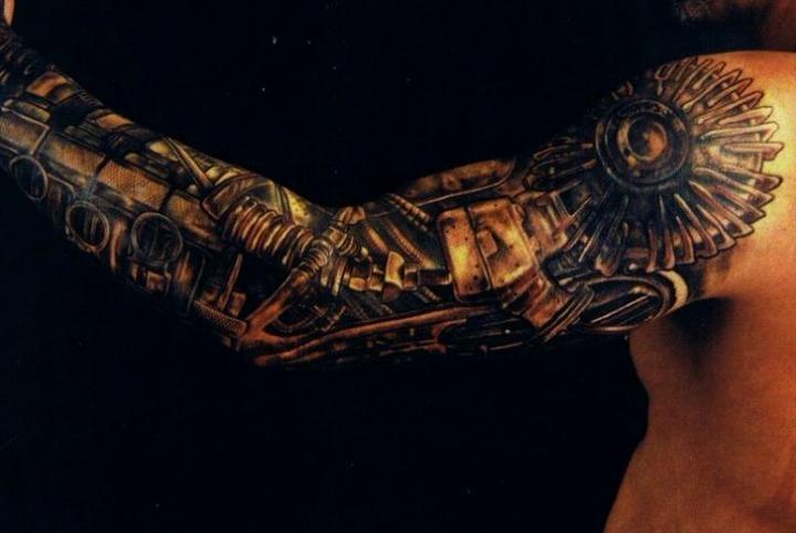 Tatuajes de brazo mecánico o robot