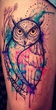 Tatuajes de búhos al estilo acuarela