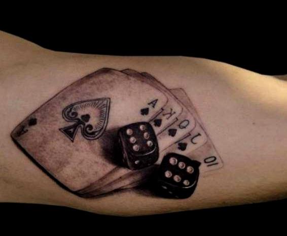 Tatuajes de cartas de póker con dados
