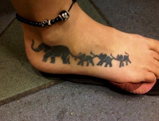 Tatuajes de elefante con su cría y tatuajes de elefantes bebés