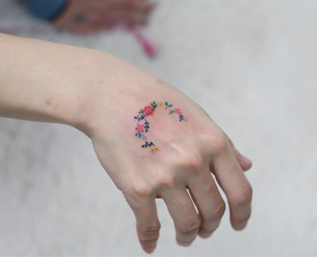tatuajes de flores pequeños