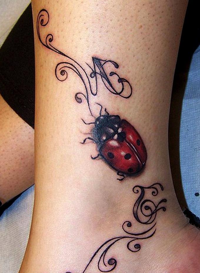 Tatuajes de mariquitas tribales