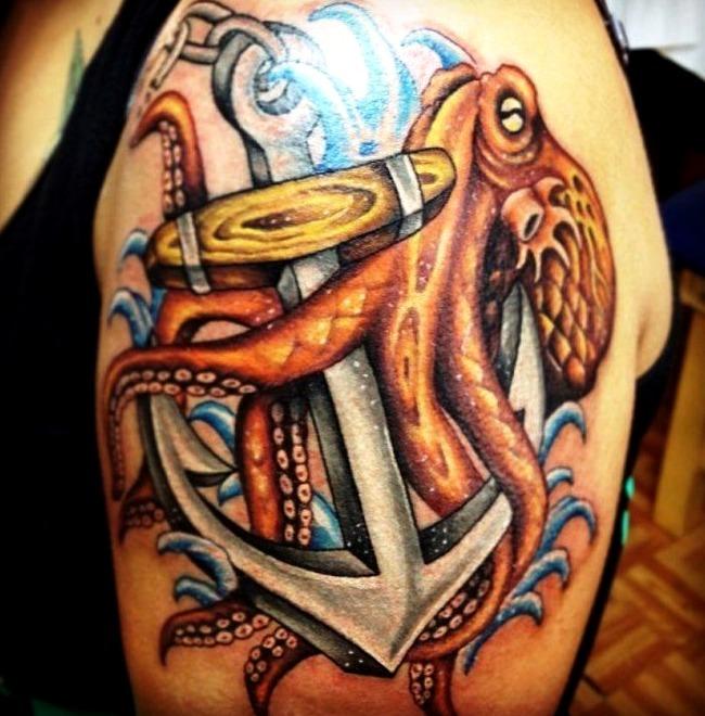 Tatuajes de pulpos con anclas