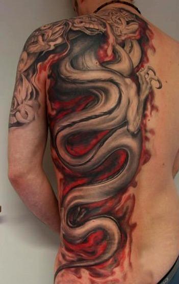 Tatuajes de serpientes y dragones chinos