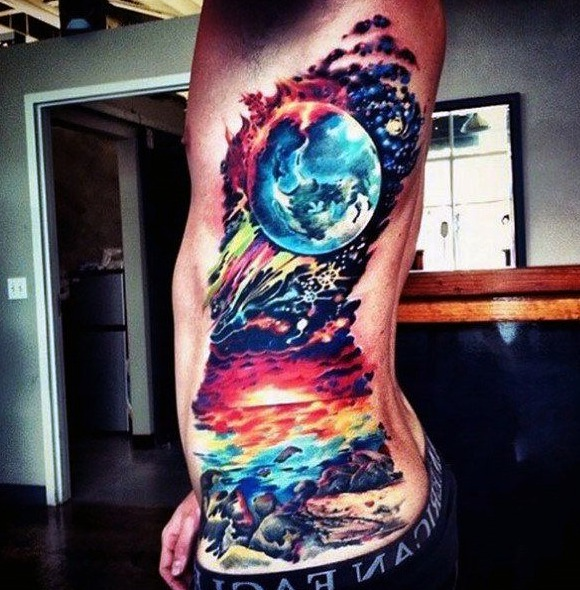 Tatuajes en el costado para hombres
