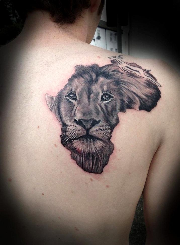 Tatuajes en la espalda de leones