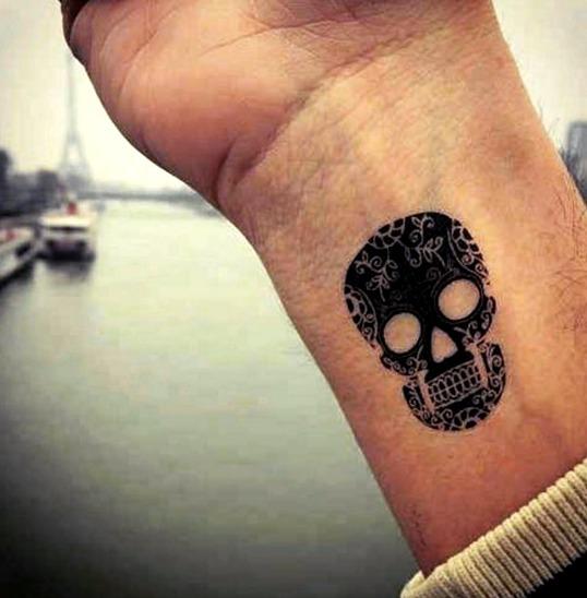 Tatuajes en la muñeca para hombres