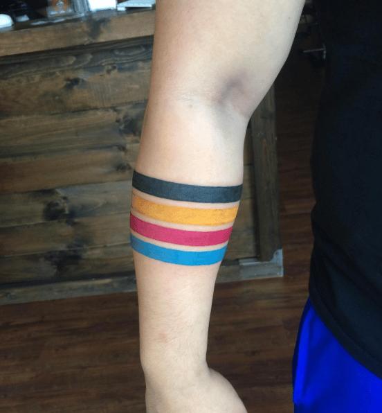 tatuajes lineas de colores