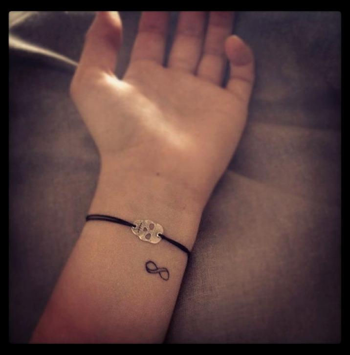 Tatuajes muy pequeños