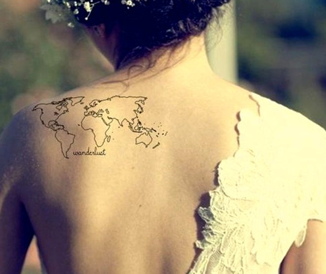 Tatuajes pequeños en el hombro