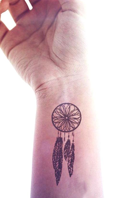 Tatuajes sencillos en el brazo